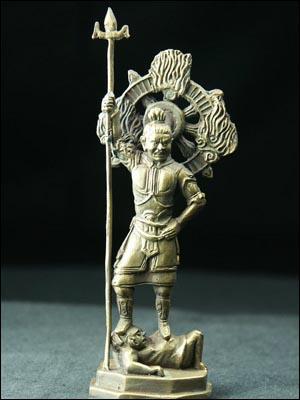 48671-極小仏像「四天王 増長天」  このミニ仏像はすべて手作りのため、現物と写真によっては